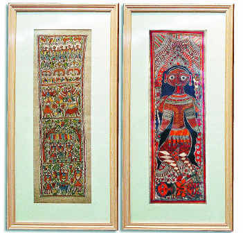(left) A Madhubani painting in the Godana style by Chano Devi, depicting a scene from the myth of God Salhesa. (right) A painting of Goddess Kali in the Bharni style by Krishnakant Jha.